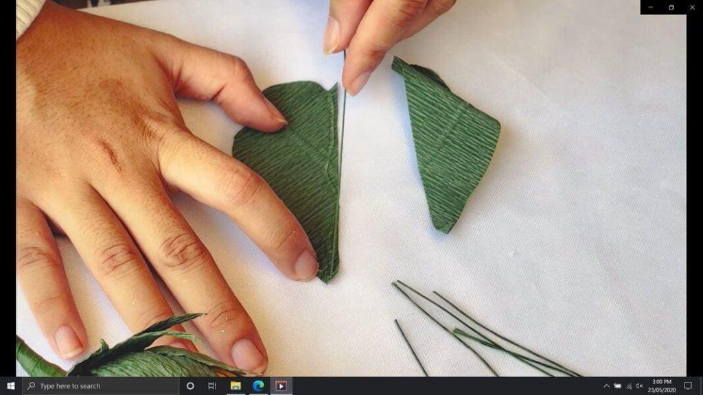 Cách làm hoa hướng dương giấy nhún